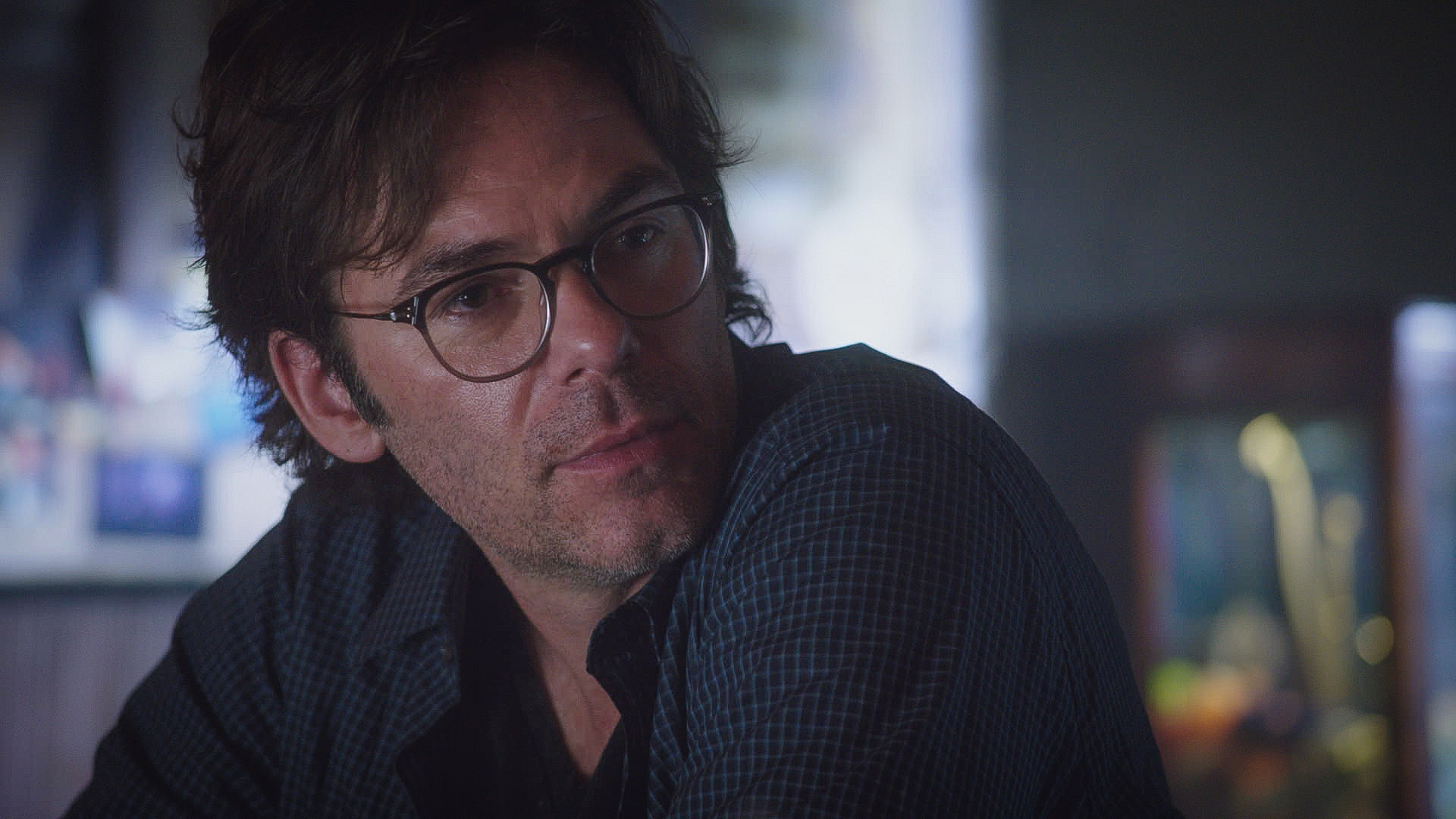 Billy Burke as Mitch Morgan.