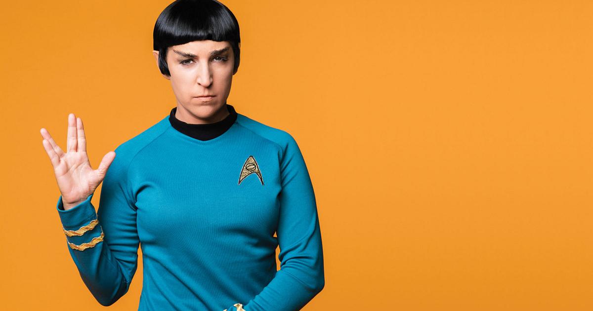 Mayim Bialik Star Trek Outfit