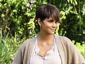 8 Reasons Why Extant is Out of this World Spectacular!