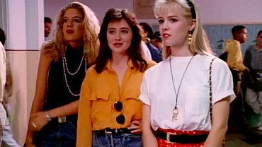 Beverly Hills, 90210 Season 1 Outfits That You Could Still Rock Today