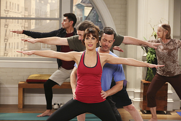 Felix Substitute Teaches A Yoga Class On The Odd Couple