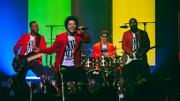Don't Believe Us? Just Watch How Bruno Mars Lights Up The Stage On Tour