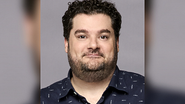 Bobby Moynihan Is A Man Of Many Talents, Except Maybe Basketball