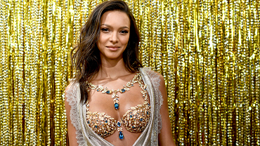 Victoria's Secret Unveils The 2017 Champagne Nights Fantasy Bra