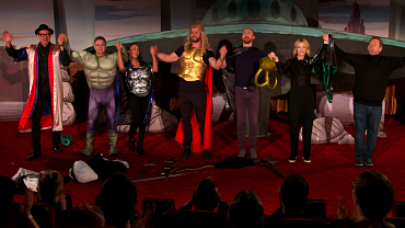 James Corden Invents The Future Of Cinema With Thor: Ragnarok 4D