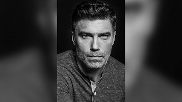Anson Mount Cast As Captain Christopher Pike On Star Trek: Discovery