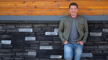 Tyler Florence Makes His Restaurant's Famous Fried Chicken