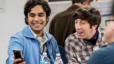 Raj Takes Third-Wheeling To The Next Level On The Big Bang Theory