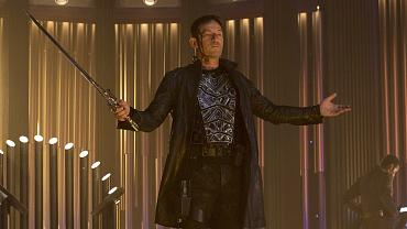 Jason Isaacs Unpacks Lorca's Intense Fight Sequence