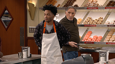 Superior Donuts: Friends Without Benefits — Sneak Peek
