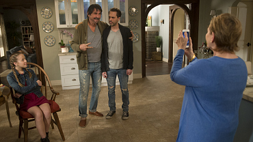 Life In Pieces Season 1 Episodes - CBS com