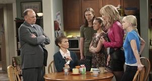 Mom Season 1 Episodes - CBS com