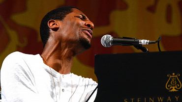 Jon Batiste And Stay Human Rock The New Orleans Jazz Festival