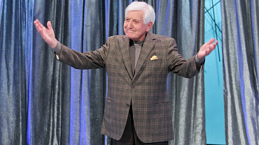 Let\'s Make A Deal Pays Tribute To Monty Hall