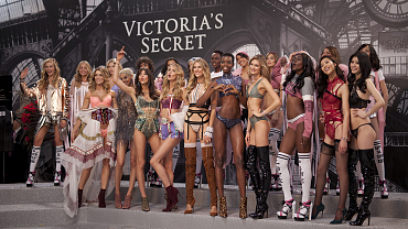 Best Looks From The 2016 Victoria\'s Secret Fashion Show