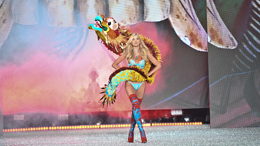 Let's Revisit These Incredible Wings From The 2016 Victoria's Secret Fashion Show