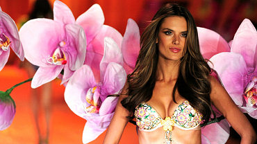 The 11 Most Fabulous Victoria\'s Secret Fantasy Bras