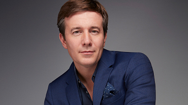 First Look: Exclusive Photos of New CBS Evening News Anchor Jeff Glor