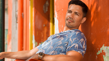 Magnum P.I. Star Jay Hernandez Is Hotter Than Ever