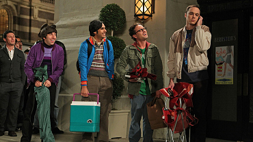 The Best Tips To Survive Crazy Long Lines, According To The Big Bang Theory