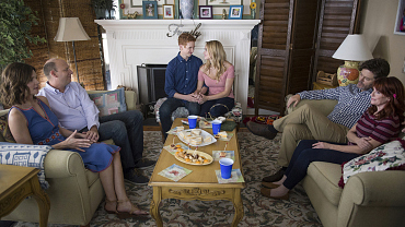 Love Is Relative On The Season 2 Premiere Of Life In Pieces