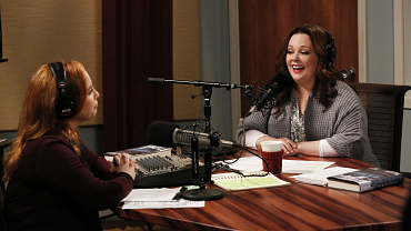 First Look: Molly Hits The Radio Airwaves On The Season 6 Premiere