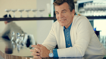 Peter Bergman Celebrates 30 Years On Y&R With A New Photo Shoot
