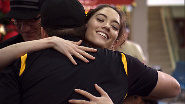 First Look: A Potential Romance Blossoms Between Two Racers On The Amazing Race, Ep. 4