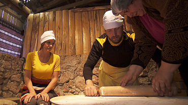 First Look: The Amazing Race Teams Head To Armenia For The Express Pass In Ep. 6