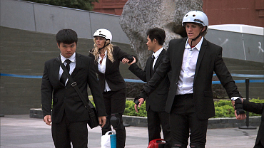 First Look: It\'s A High-Stakes Run To The Mat On The Amazing Race, Ep. 11
