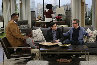 First Look: Oscar Convinces Felix To Give Chess Another Shot On The Odd Couple