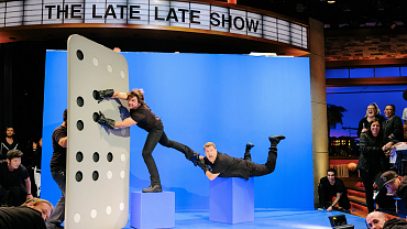 Behind-The-Scenes Photos Of Tom Cruise & Anna Faris On Late Late Show