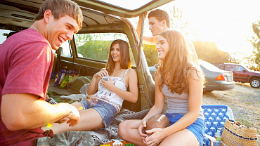 Everyone Raise A Frosty Cold One To These Top Tailgate Tunes!
