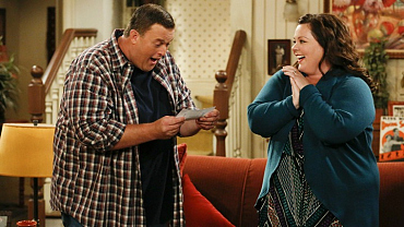 This Season Of Mike & Molly, As Told In Book Chapter Form