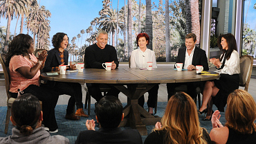 "Matt LeBlanc Embraces Being A ""Silver Fox"" On The Talk"