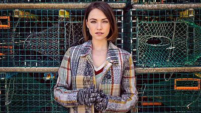 Violett Beane Looks Oh-So-Pretty In These Fall Fashion Photos