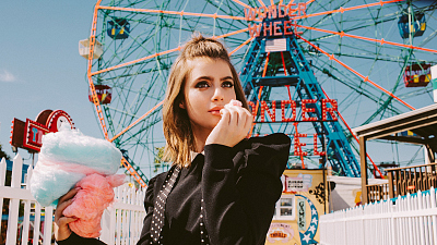 Sami Gayle Spends A Dreamy Day In Fall's Finest Fashion