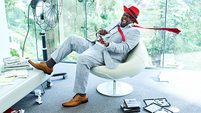 Cedric The Entertainer Welcomes Us To The Neighborhood With Fun New Photos