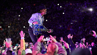 How And When To Watch Garth: Live At Notre Dame!