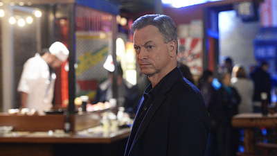 Gary Sinise Answers Your Burning Fan Questions