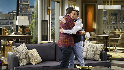 First Look At The Odd Couple Season Finale