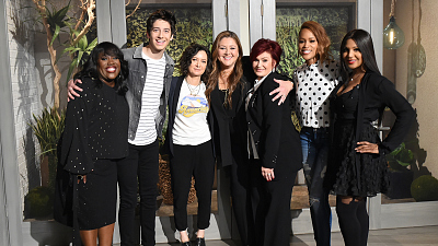 Camryn Manheim Makes A Connection With Sara Gilbert