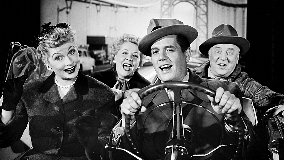 13 Of The Wackiest Next-Door Neighbors In Television History