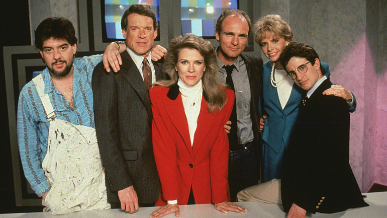 Stream past Murphy Brown Episodes Before the 2018 Revival Begins on Sept. 27